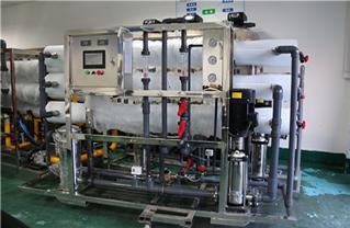 数控加工\n数控加工中心主驱动装置(行星减速机)要有很高的扭转刚性和经过优化的扭矩。